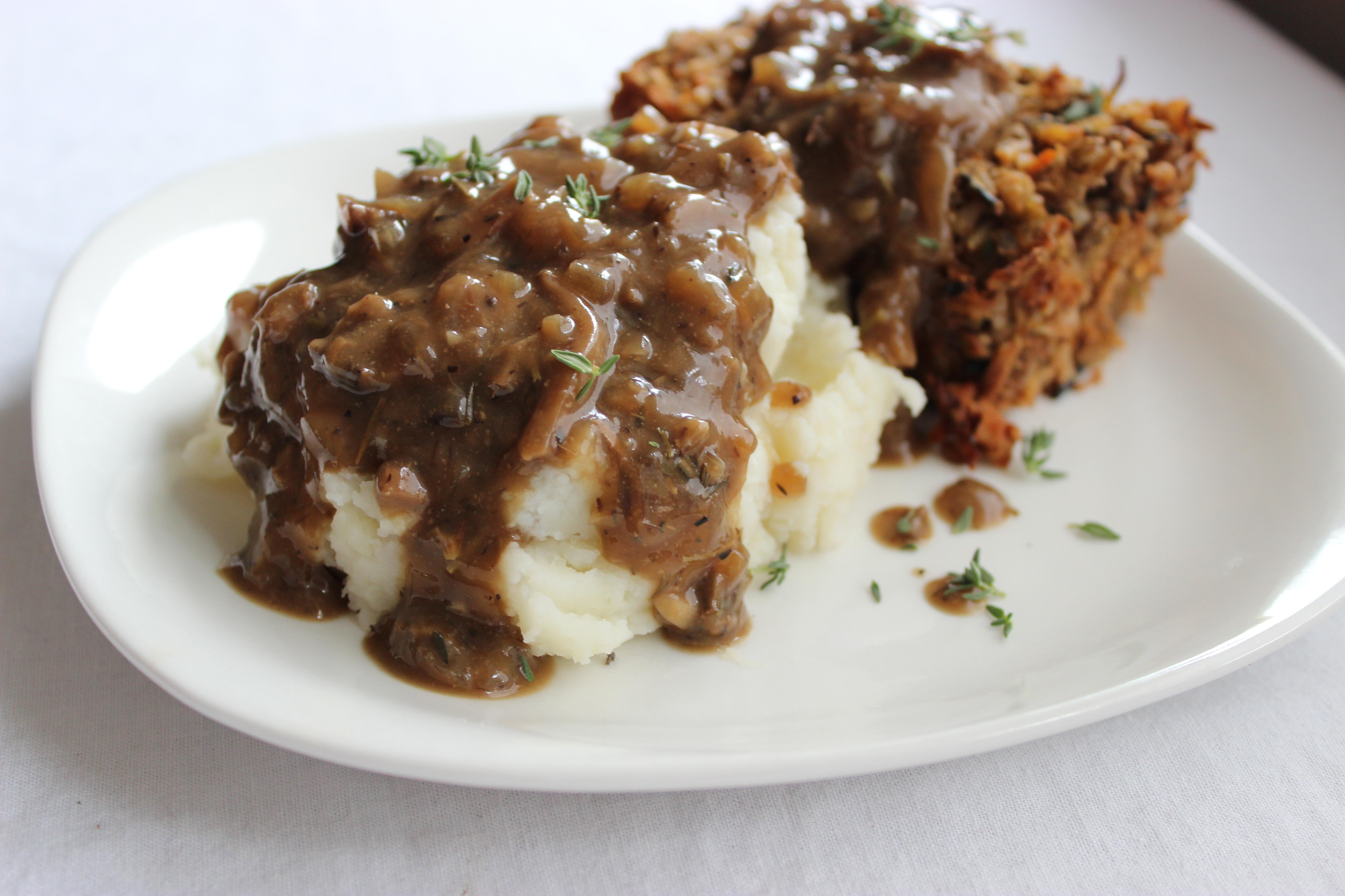 'Beefy' Vegan Mushroom Gravy